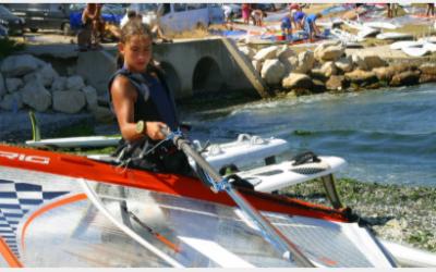 DE EERSTE KEER OP EEN SURFBOARD VAN SARA WENNEKES (RS:X)